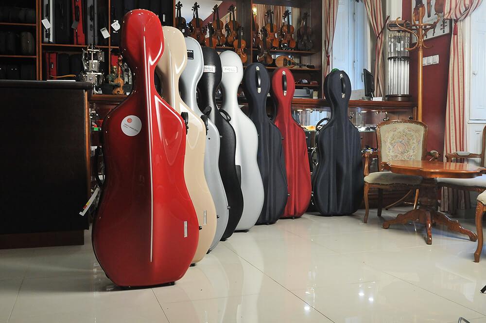 Hangszerek és kiegészítők