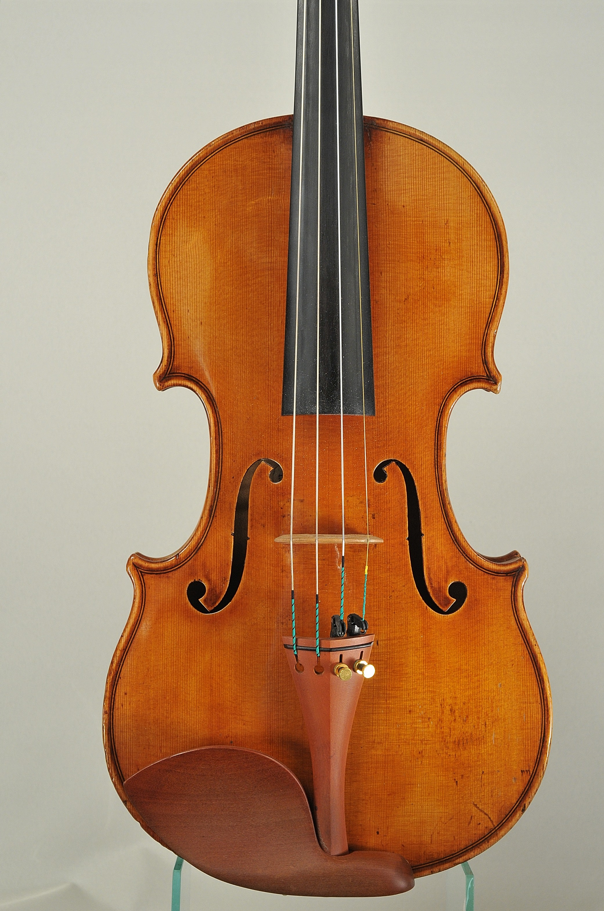Fine italian violin from Turin, 1930 Violin labell