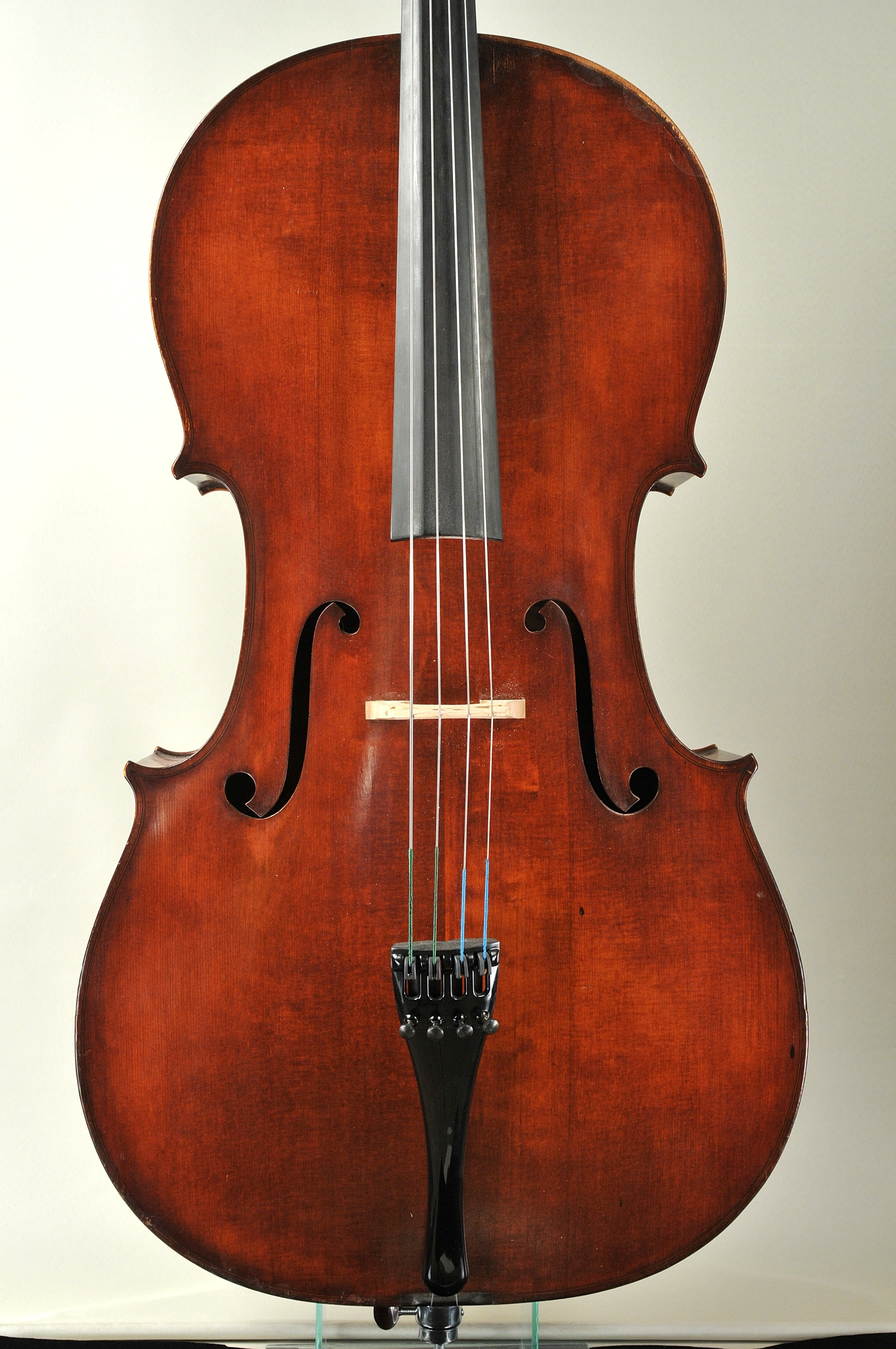 Richard Weichold from Drezden 1910 Cello